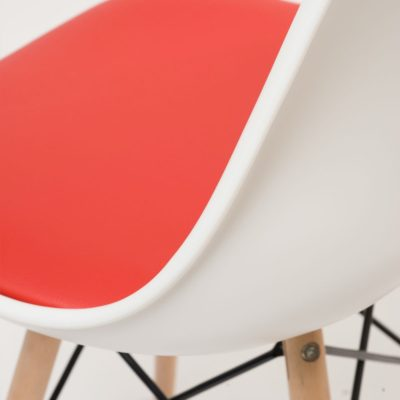chaise dsw NASI cuisine blanc et rouge