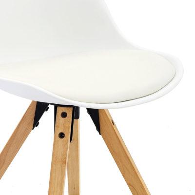 Chaise Design blanche piètement chêne