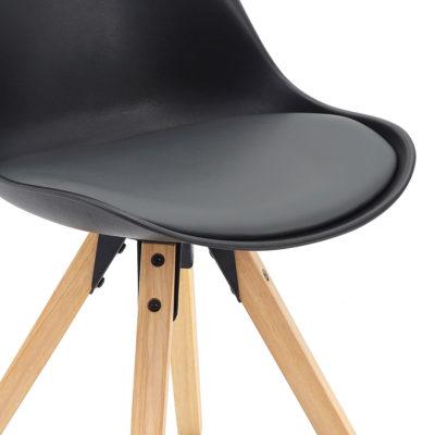 Chaise Design noire piètement chêne