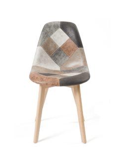 chaise-patchwork-cuir-marron-salle-a-manger-pietement-bois