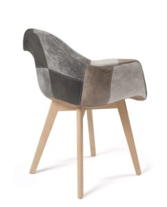 lot-2-chaises-scandinaves-patchwork-DAW-marron-kayelles